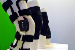 Photo: Functional 4-point Knee Brace; Copyright: beta-web/Hofmann
