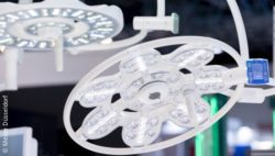 Image: surgical lights at MEDICA trade fair; Copyright: Messe Düsseldorf