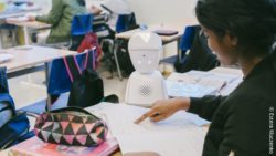 Image: the robot AV1 at school; Copyright: Estera Kluczenko