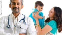 Image: An Indian doctor and a mother with child; Copyright: panthermedia.net/szefei