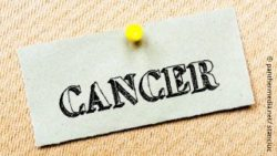 Image: sheet of paper with the word cancer on it; Copyright: panthermedia.net/stanciuc