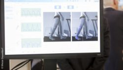 Image: Monitor with gait analysis at MEDICA; Copyright: Messe Düsseldorf