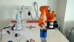 Image: intelligent industrial robots under tuning in the laboratory; Copyright: FEFU press office