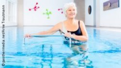 Image: An older woman during training in a pool; Copyright: panthermedia.net/Arne Trautmann