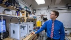 Image: Male scientist is working in a lab; Copyright: University of Houston