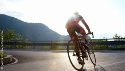 Image: Cyclist; Copyright: panthermedia.net/rcaucino